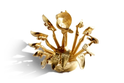 Odlewanie zamków ze stopu złota